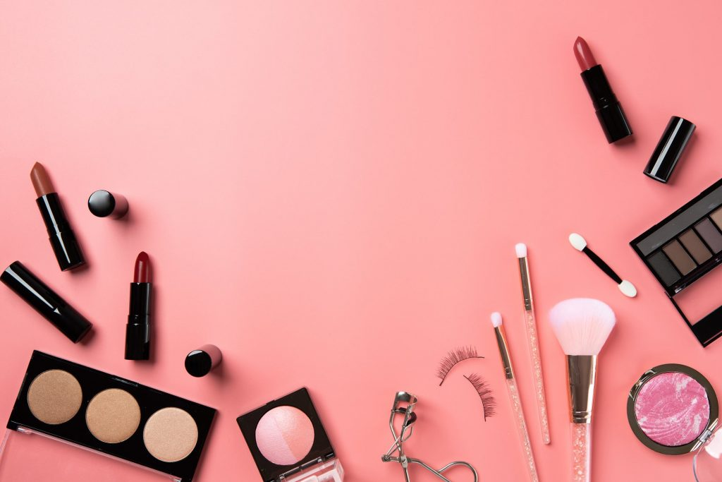 Five Expert Tips on Writing Skincare and Cosmetic Reviews
